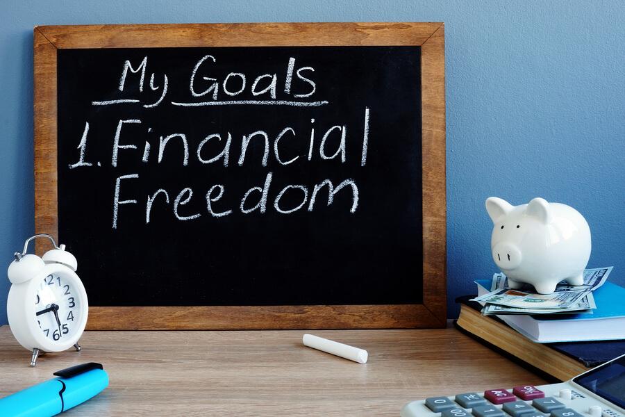 7 Financial Goals Everyone Should Have